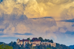 Schloss Lenzburg mit Gewitter